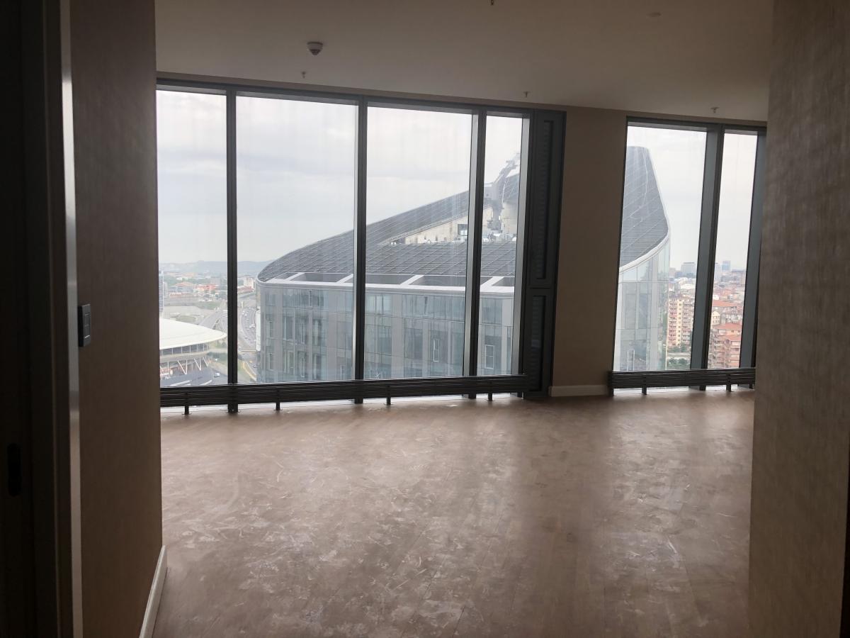 SKYLAND İSTANBUL  KONUT  3 + 1 223 m²