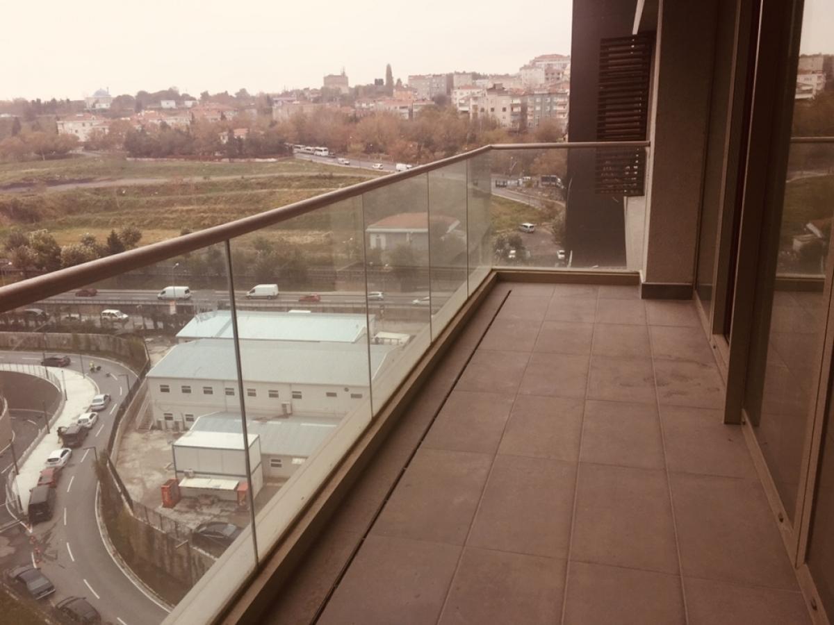 INISTANBUL TOPKAPI  KONUT  3 + 1 193 m²